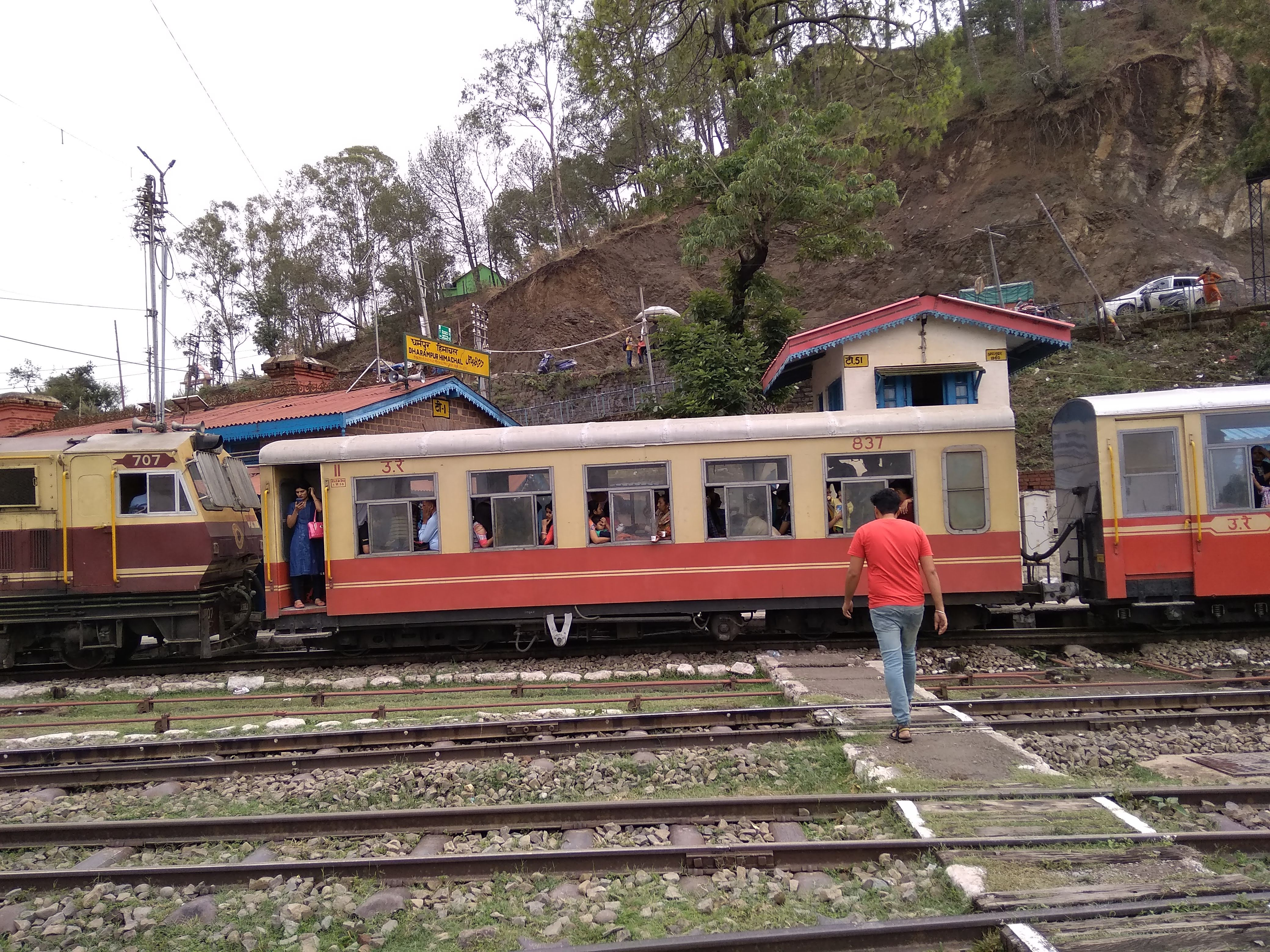 Toy Train Halted at Dharampur Railway station on Kalka Shimla Railway Routes
