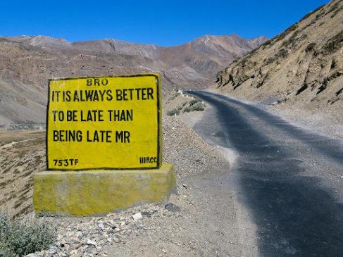 लेह-लद्दाख राजमार्ग पर साइनबोर्ड (भारतीय सेना) popular in India